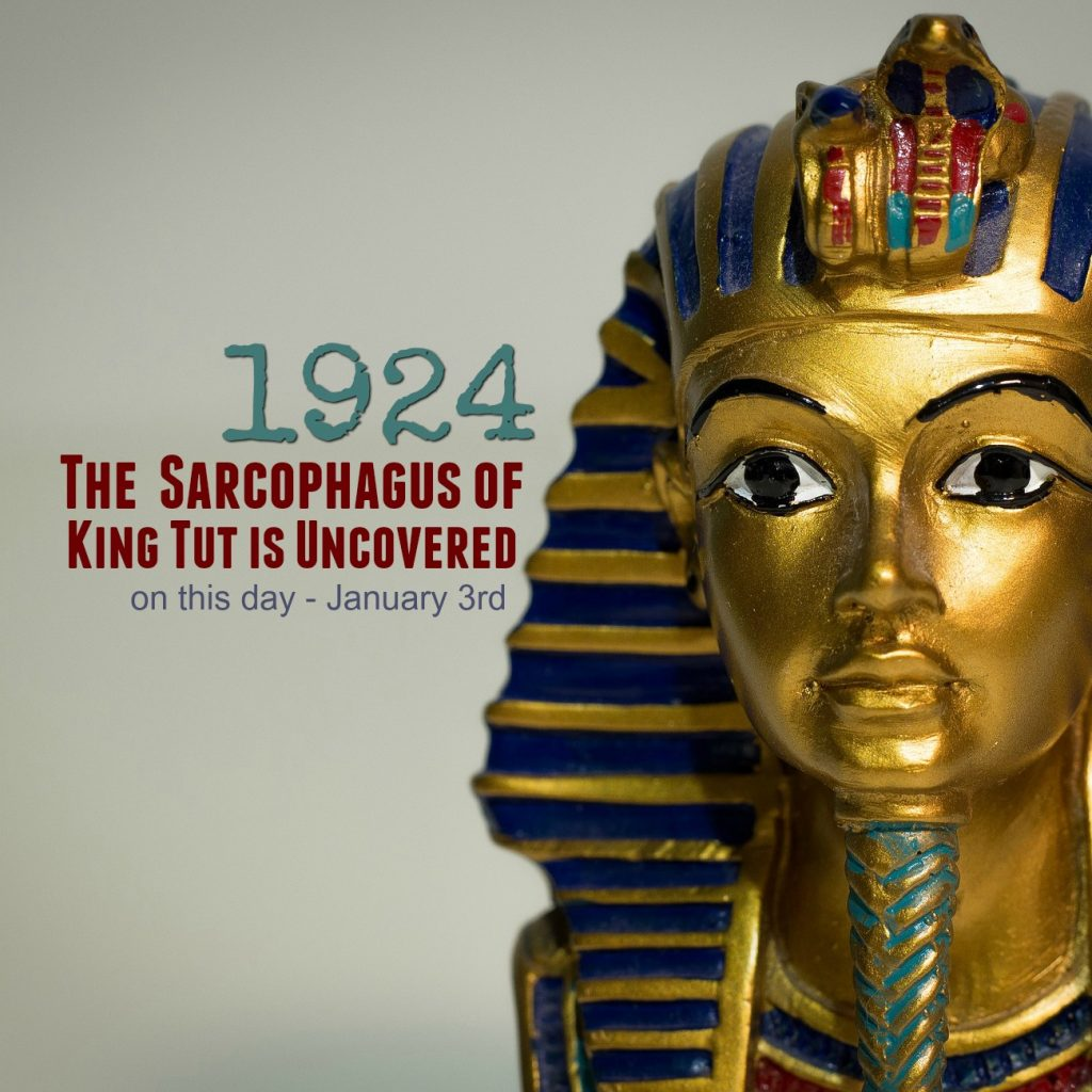 king tuts curse paper - king tutankhamun king tutankhamun lived over 3,300 years ago during a period known as the new kingdom this period of time was called the new kingdom because it was when the pharaohs united upper and lower egypt into one kingdom with the capital being memphis near current day cairo.