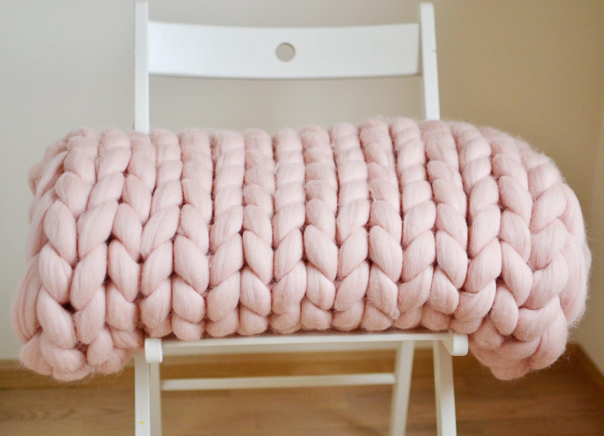 Make Your Own Oversized Knit Blanket Hip Homeschool Moms